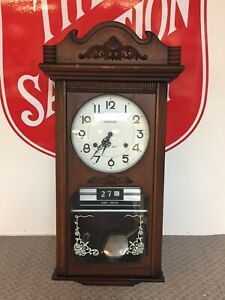 VINTAGE FRONTIER 30 DAY WALL CLOCK