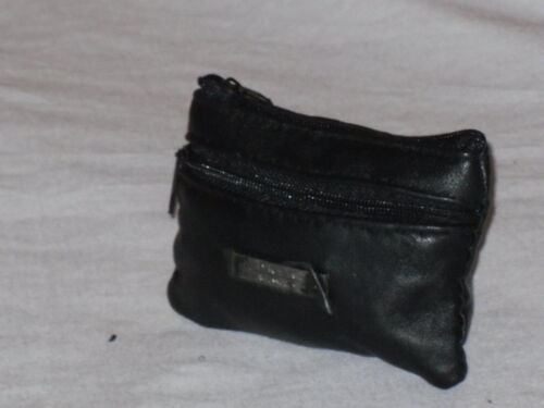 A Small Soft Leather Coin Change Pouch Purse With 2 Zips And Key Ring.
