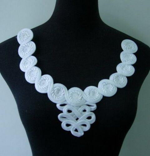 MR105-2 Cord Braided Macrame Flowers Neckline Collar Embellishment Motif White