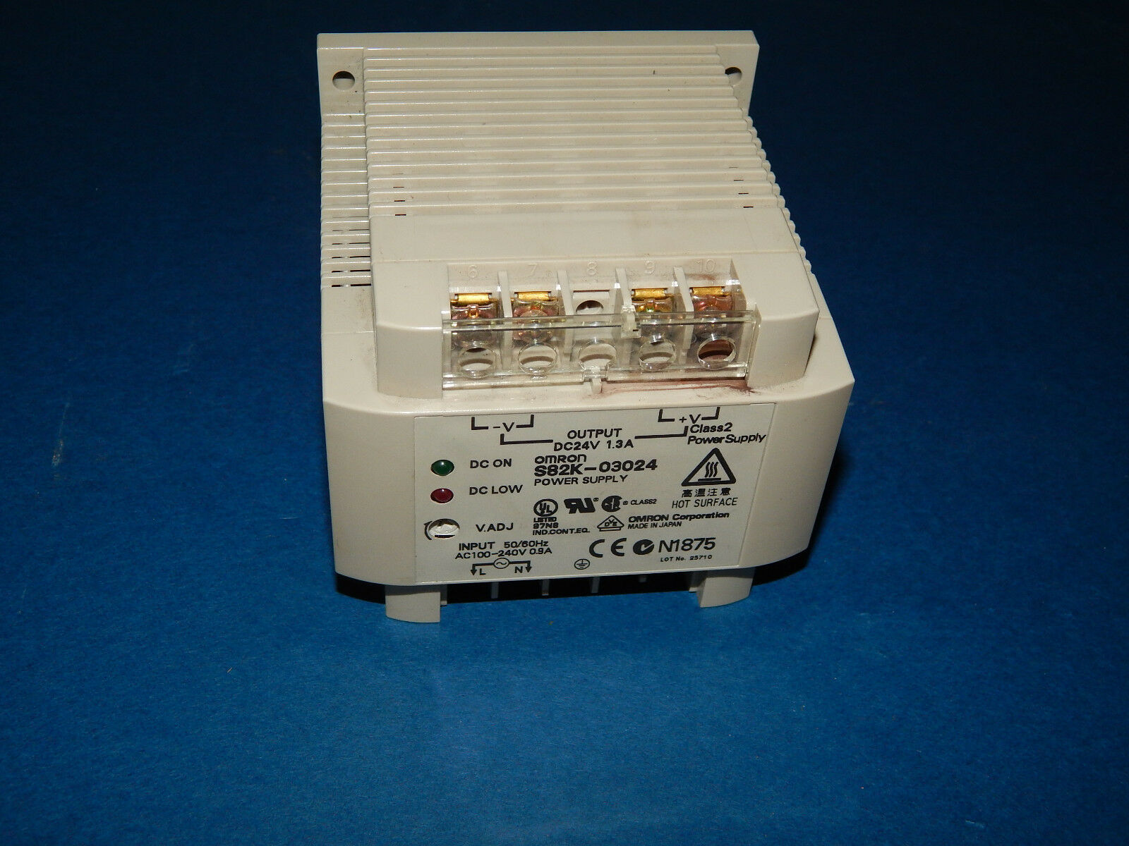 Omron S82K-03024 Power Supply Input AC100-240Volt 0.9Amp S82K03024