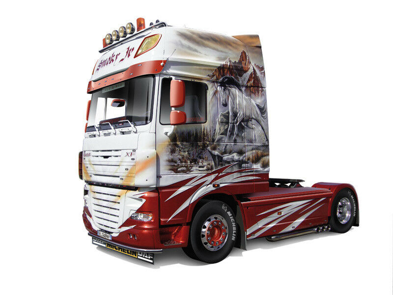 Italeri 3917 - DAF XF105  Smoky Jr  1 24 Scale Plastic Kit New - T48 Post