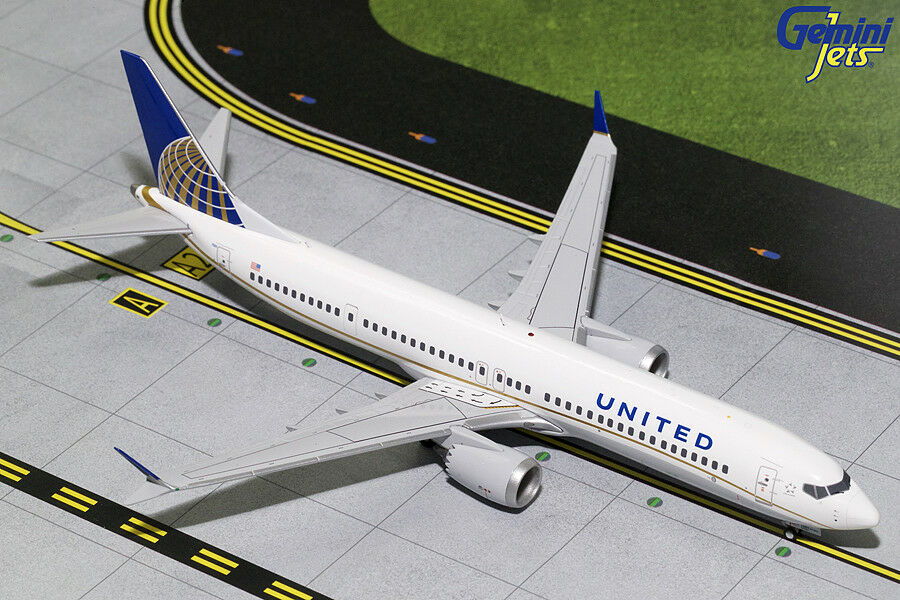Gemini Jets 1:200 Scale United Airlines Boeing 737 MAX 9 N67501 G2UAL752