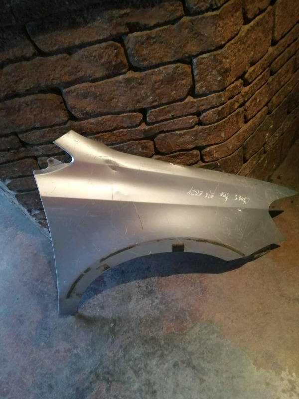 2010/2015 POLO 6 RIGHT SIDE FENDER FOR SALE
