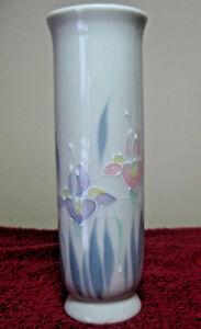Vintage-6-034-Otagiri-Hand-Painted-Porcelain-Bud-Vase-Made-Japan-Floral-Lite-Design
