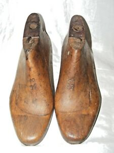 ANTIQUE-FRENCH-SHOE-LAST-FORMS-MOLDS-SHAPERS-COBBLERS-TREEN-METAL-BASE-SZ-6-5