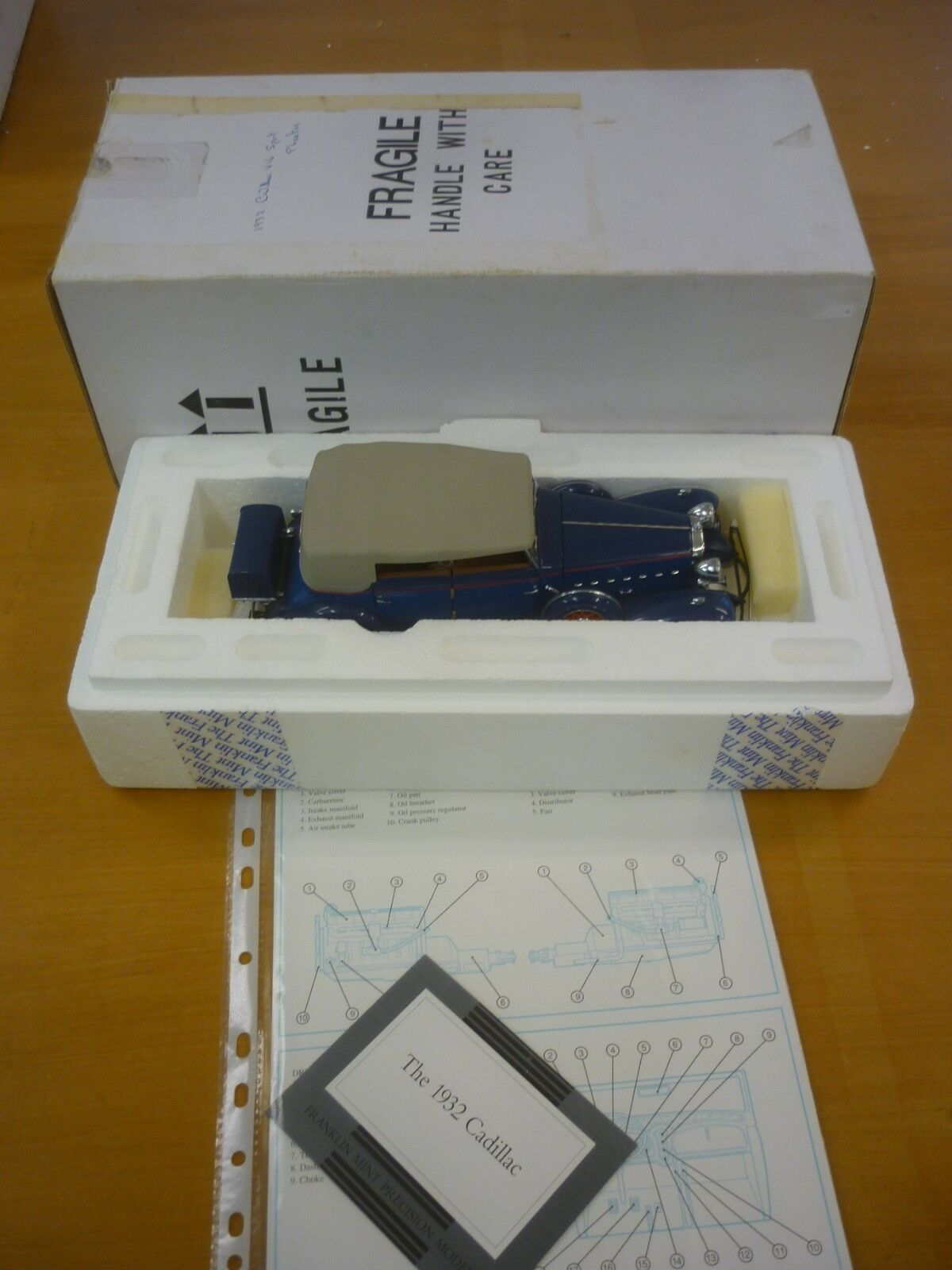 Franklin Comme neuf scale model of a 1932 CADILLAC V16 Sport Phaeton paperasse, boxed