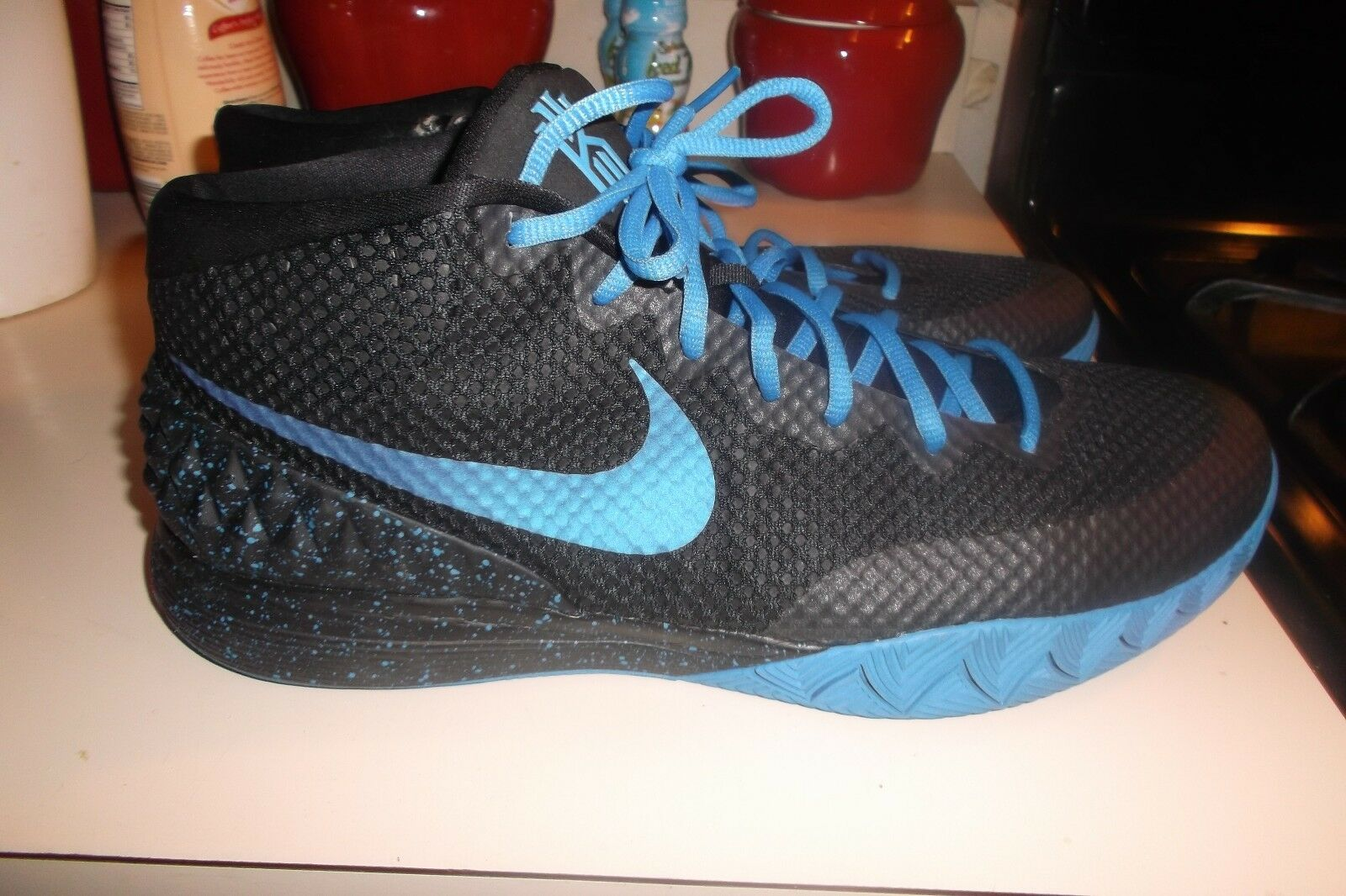 NIKE KYRIE SZ 13.5 Basketball Shoes 747423-991 BLACK/Blue