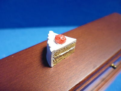 1 /12 scale Dolls House Minature  Food   Strawberry Cake Slice    DHD-K26-1