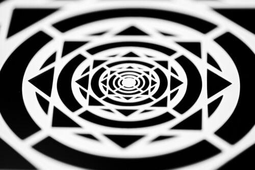 "9/""x 9/"" Deco Bulls-eye Badge Multi-purpose Multi-Use Airbrush Stencil"