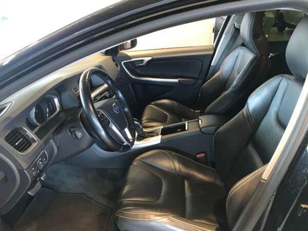 Volvo V60 2,0 D4 181 Momentum aut. - billede 5