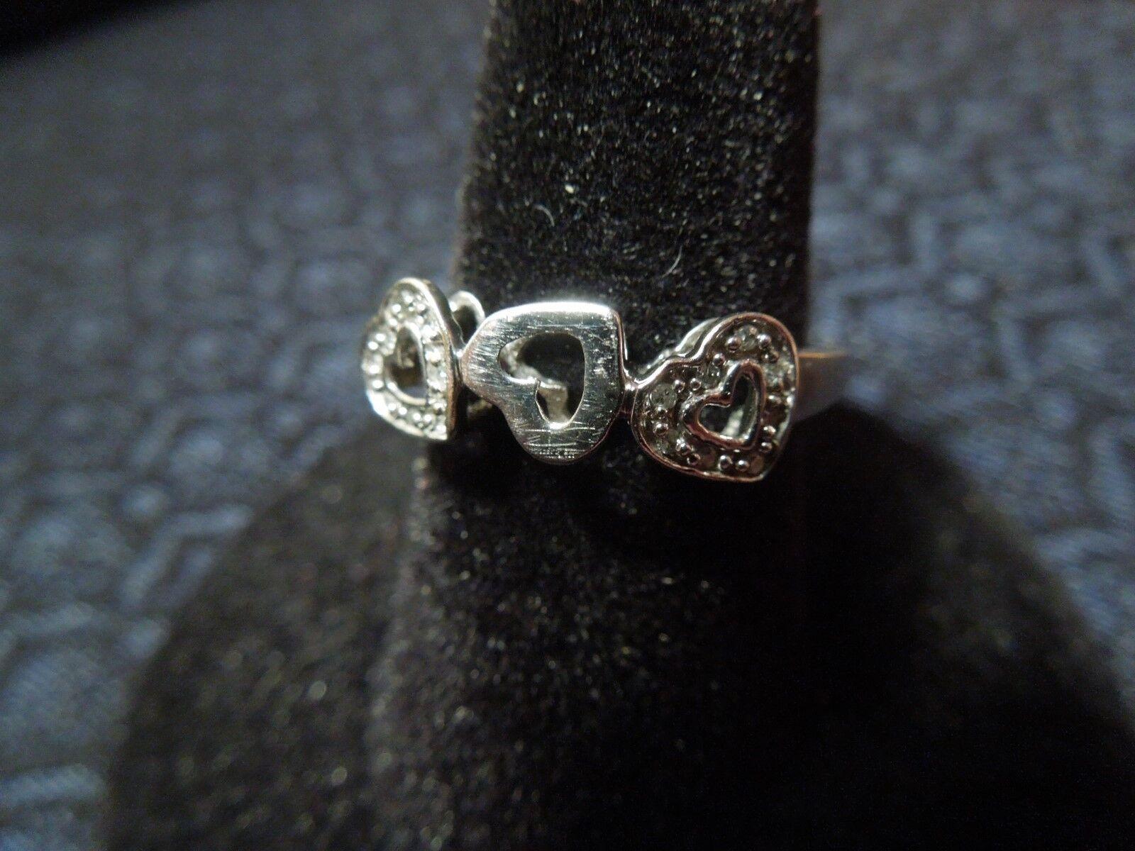10K White gold White Sapphire Past Present Future Heart Ring, 6 1 4, 1.7g