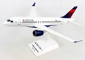 Delta-Air-Lines-Airbus-A220-100-1-100-SkyMarks-SKR914-Flugzeug-Modell-A220