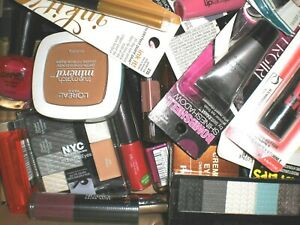 Brand-name-makeup-cosmetics-Covergirl-L-039-Oreal-NYC-Revlon-Maybelline-More-26-Lot