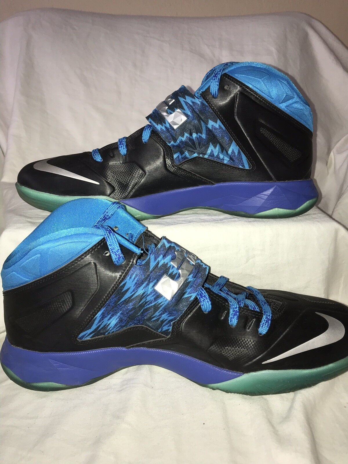 Nike Lebron James Zoom Soldier VII Size 14