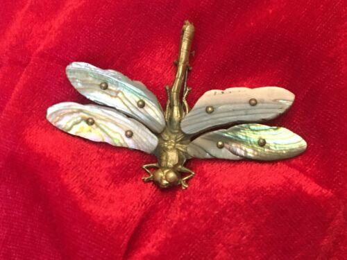 Ancienne broche libellule nacre et métal doré