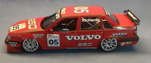 AUTOart 118 89695 Jim Richards 1996 Volvo 850 Australian Bathurst Support