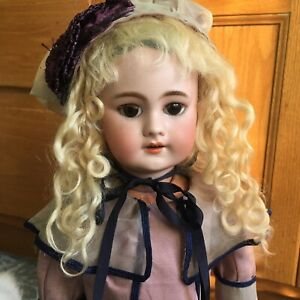 Antique-Jumeau-18-DEP-French-Bisque-Doll