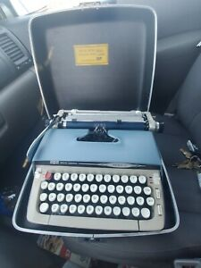 Smith-Corona Galaxie II Typewriter w/Case Clean Working NICE!