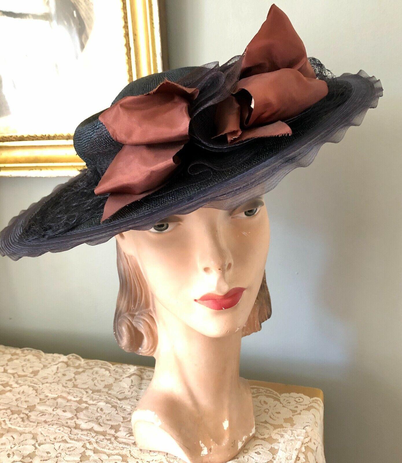 VINTAGE 1940's BLACK STRAW WIDE BRIM HAT W/ HORSE… - image 1