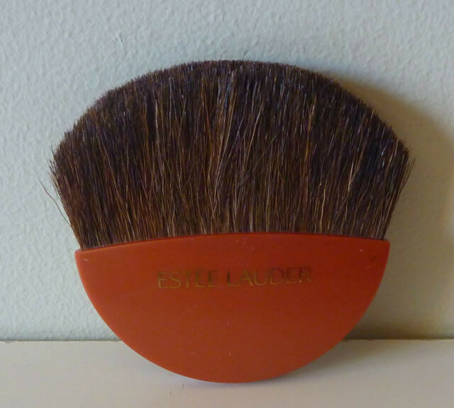 ESTEE LAUDER Blush / Bronzer Brush, Brand New Sealed! 100% Genuine!!
