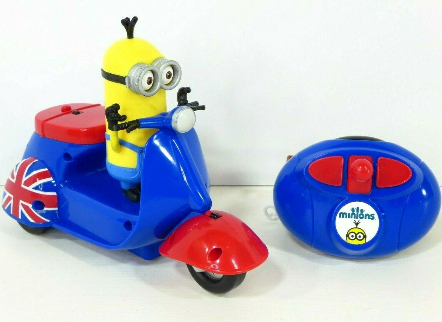 Despicable Me Minions RC RC RC Motorcycle Remote Control Toy Vehicle Figure 8bdafa