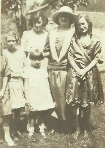 West-Virginia-Mother-Daughters-Sisters-Family-Appalachia-1915-Antique-Photo