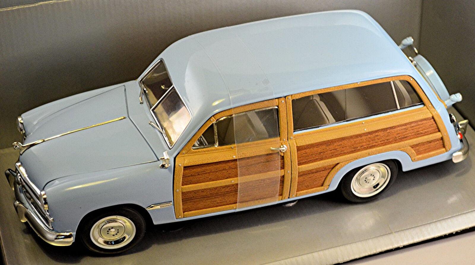 Ford Woody Wagon 1949 hellblau light-Blau 1 18 Motor City Classics  | Verrückter Preis