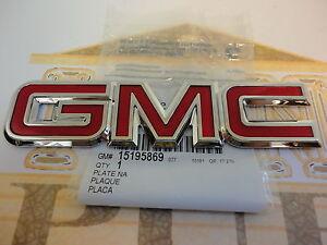 GMC YUKON SONOMA SAFARI EXPRESS JIMMY LIFTGATE TAILGATE EMBLEM 22884137 GM OEM