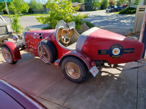 1927 Bugatti (replica)