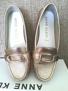 Petra Leather Loafer Flat, Gold Sz 8