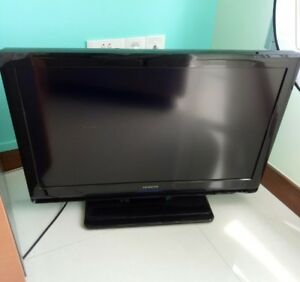 32-034-Hitachi-TV-Working-Good
