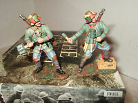King And Country Fw051 German Grenadier Set Of 2 Soldiers & Grenades 1:30 Scale