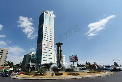 Oficina equipada en Renta con Vista a la ciudad y fuente de los frailes en Torre JV Juá...