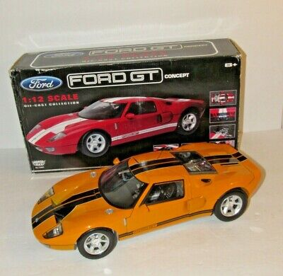 FORD GT CONCEPT GULF OIL LIVERY 1//12 SCALE DIECAST CAR MODEL BY MOTOR MAX 79639