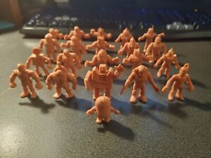 M-U-S-C-L-E-MEN-Y-S-NT-Figures-Figurines-lot-of-21-Muscle-Men-Flesh-Pink-Vintage