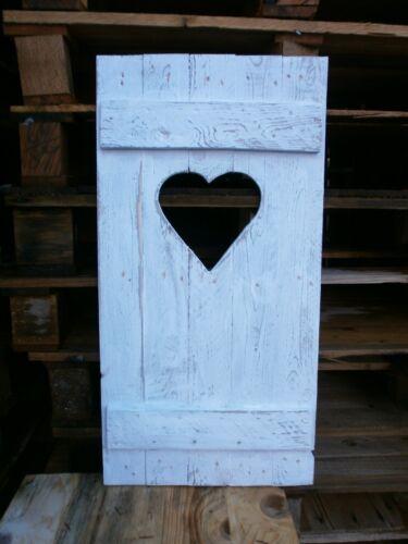Fensterladen Shabby chic mit Herz Unikat  Palettenholz weiß für Haus und Garten