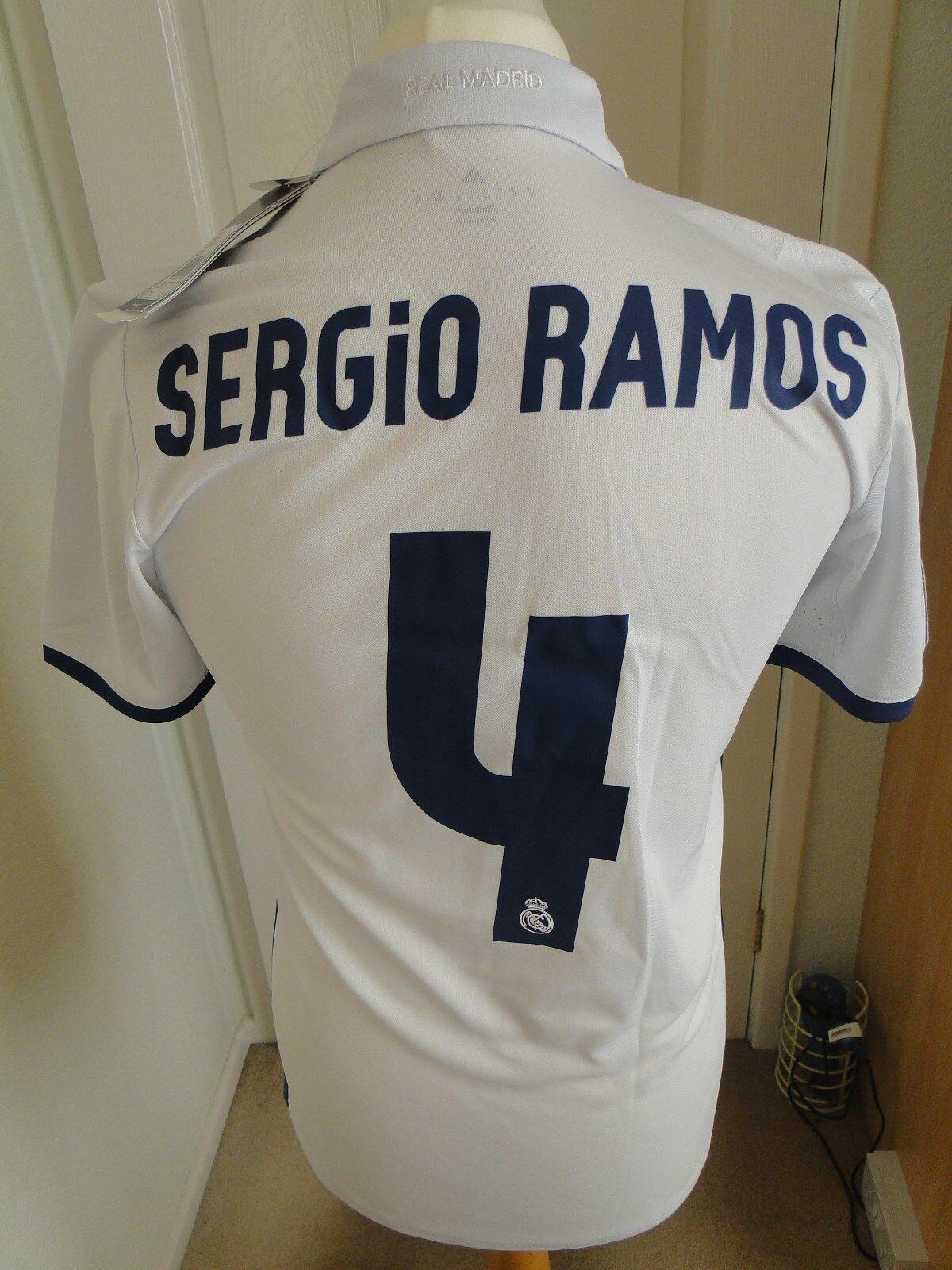 Sergio Ramos REAL MADRID HOME LEGA Camicia 201617 NUOVO con etichetta piccoli distintivi
