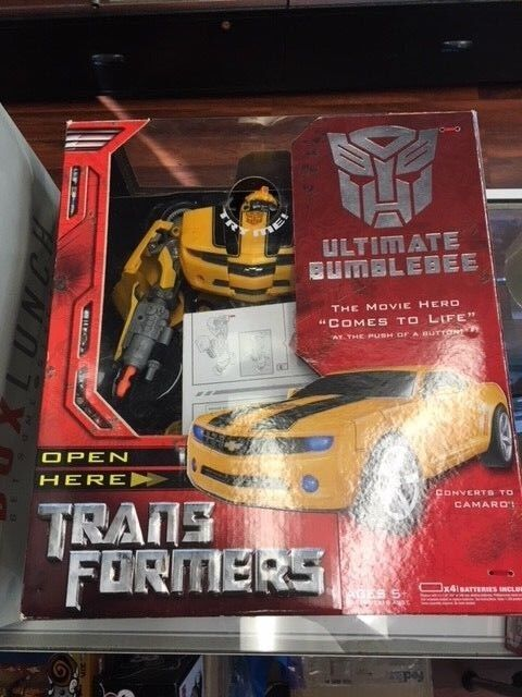Transformers Ultimate Bumblebee Action Figure Hasbro DAMAGE JC