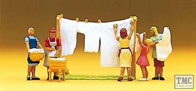 10050 Preiser Oo/ho Women Hanging Washing