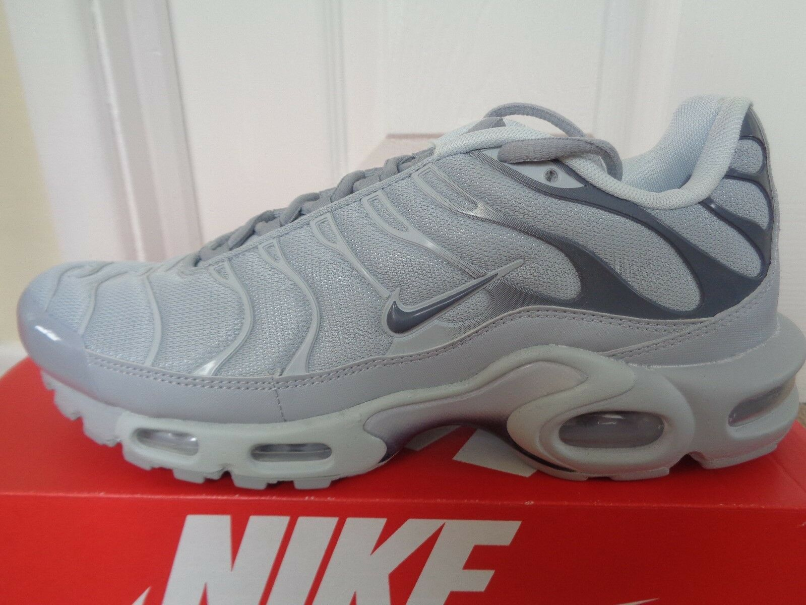 Nike Air max plus trainers sneakers chaussures 852630 006 uk 7.5 eu 42 us 8.5 NEW+BOX