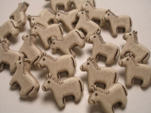 New lots of Horse Pony Equesterin Plastic Buttons 17mm 3//4 novelty buttons