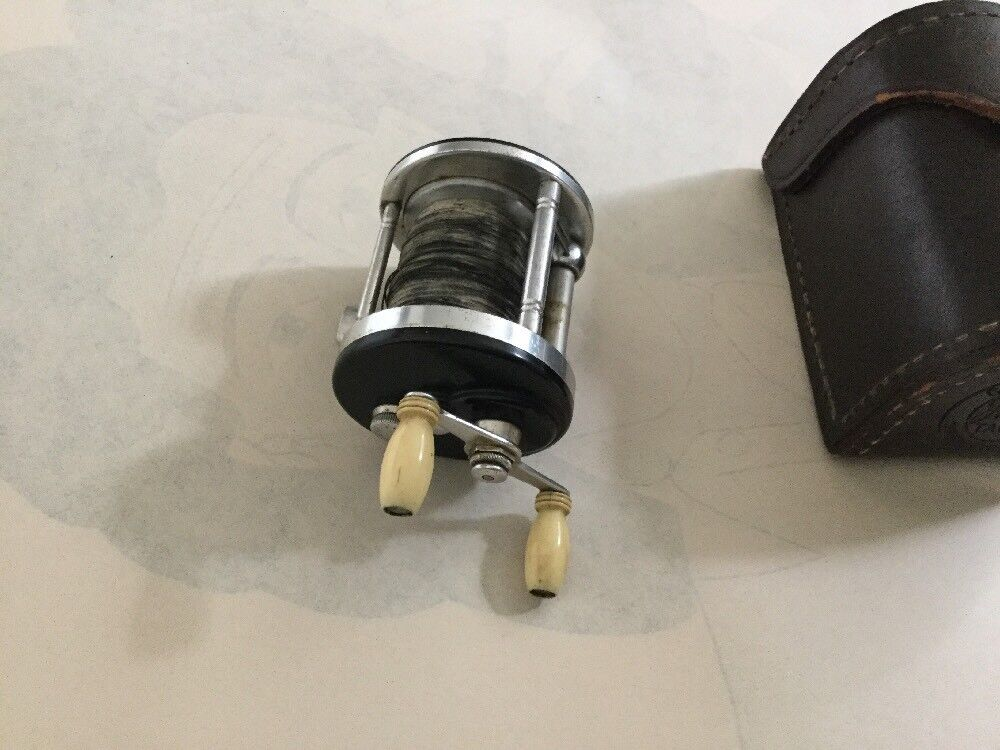 JA COXE CORONET 25 Casting Casting Casting Reel With FACTORY Leder Case a3f1db