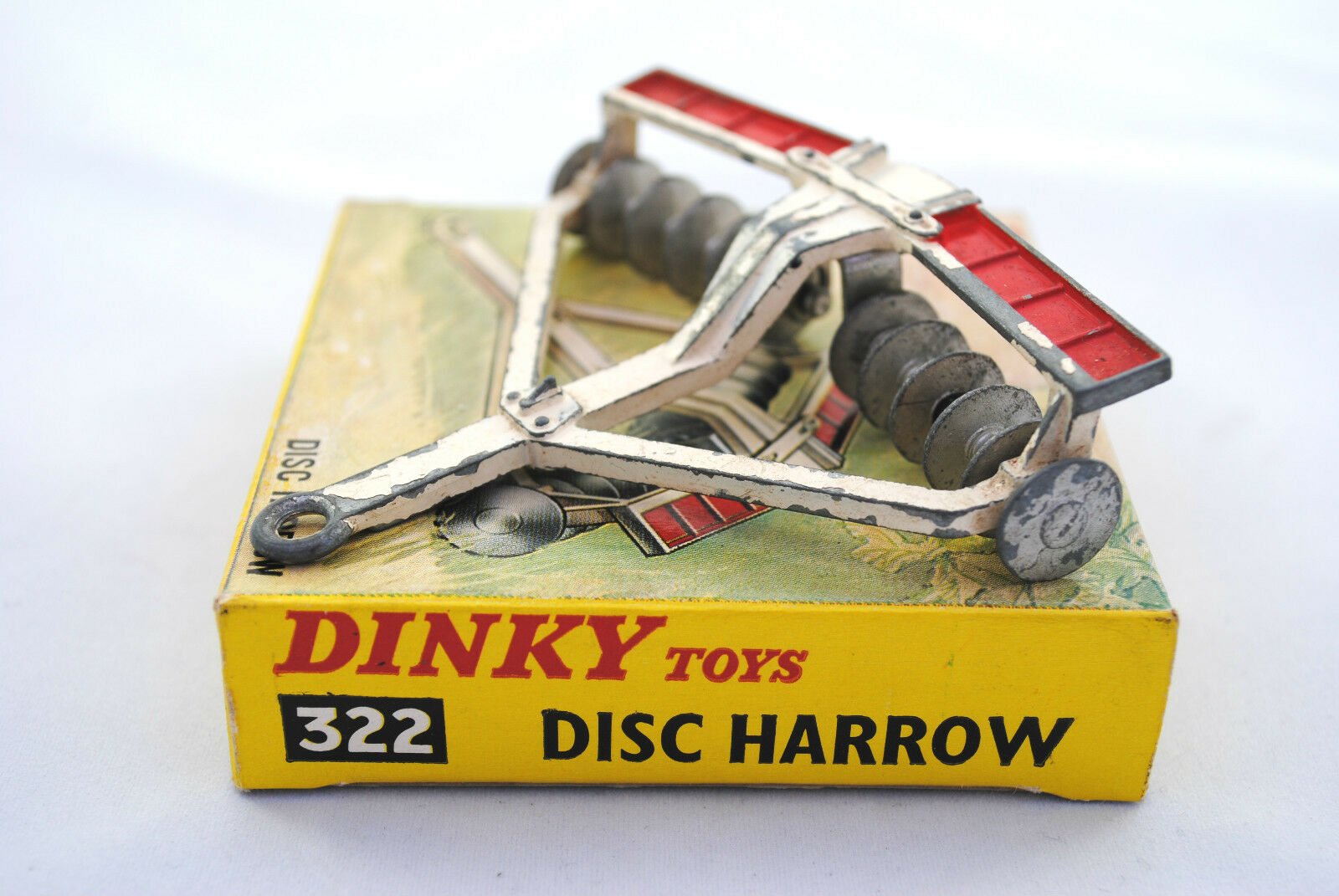Dinky 322 Towing DISC HARROW w  2 x 6  Moving Disc in Original Dinky Box