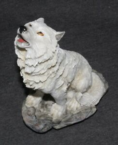 White-Wolf-Statue-Animal-Ornament-Wild-Zoo-Figurine-Sculpture-Art-Howling-20cm