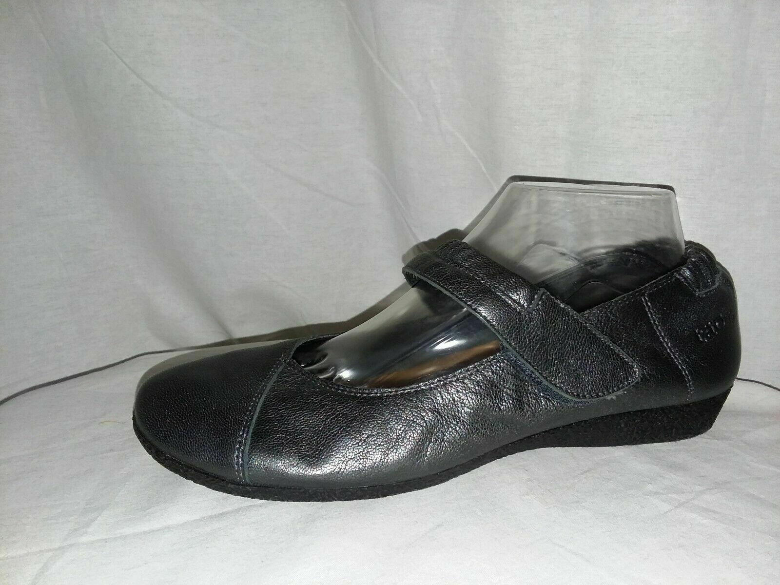 TAOS Shoes Women's Size 8.5-9/40 Gray Soft Leather Hook & Loop Mary Jane Wedges