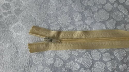 501 CAMELLA YKK Closed End Nylon Zips Sewing Cushions upholstery SUPER