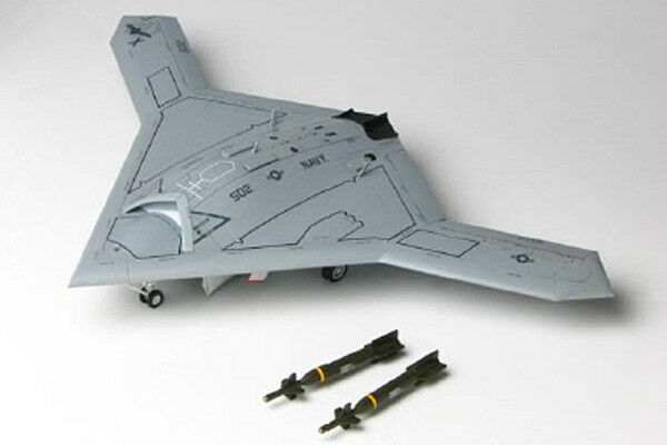 Italeri 1421 X-47B Unmanned Combat Aircraft System 1 72 Scale