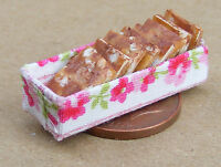 1:12 Scale Chocolate Slices In A Box Dolls House Miniature Food Accessory Cake