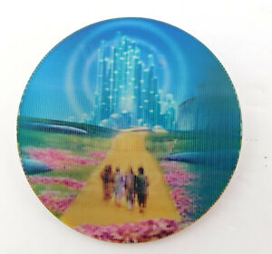 WIZARD-of-OZ-Holiday-Lenticular-Warner-Brothers-Store-Employee-Pin-1998