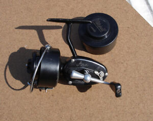 Vintage moulinet MITCHELL 300 Arca + spare Spool